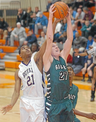Both Upper Darby's Quadir Rice and Ridley's Jon McGill will be opening the Class AAAA state tournament at William Allen High School. TIMES STAFF/JULIA WILKINSON