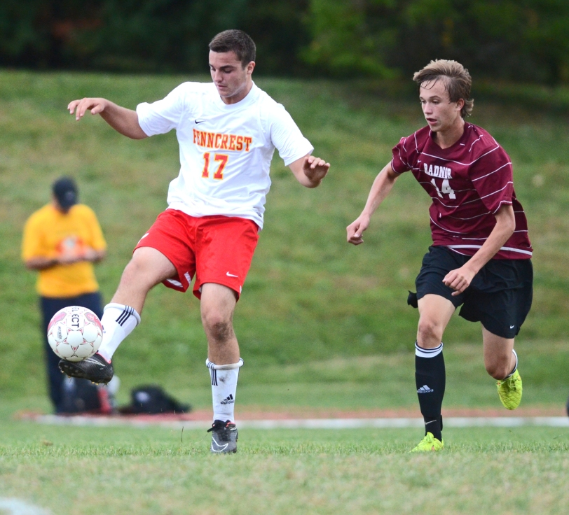 In a key battle Tuesday, Ryan Schultz and Penncrest eeked out an overtime win over Alex Egg-Krings and Radnor. (Times Staff/JULIA WILKINSON)