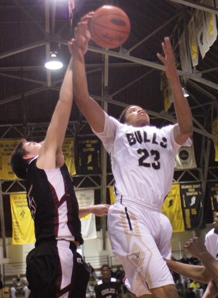 Time to give Glen Mills its due: Big man Anthony Johnson has the Battlin' Bulls playing very well. (Times Staff/ROBERT J. GURECKI)