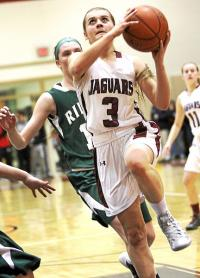 Maddie Ireland and Super 7 No. 4 Garnet Valley were still undefeated in the Central League entering Thursday night.