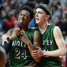 After a breakneck month of basketball, Ridley's Julian Wing, left, and Nick Czechowicz have time to recharge before Saturday's PIAA Class AAAA opener against La Salle. (Times Staff/TOM KELLY IV)